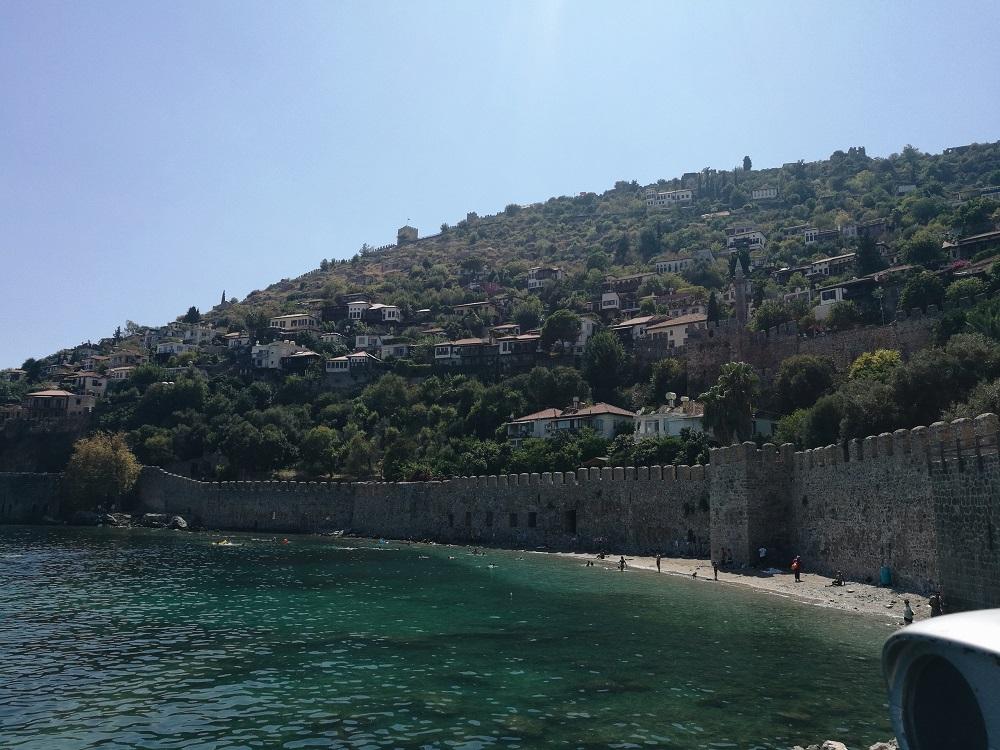 Знаменитая крепость в Аланье
